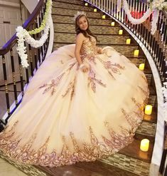 Mexican Quinceanera Dresses, Robes Quinceanera, Quinceanera Ideas, Sweet 15 Dresses, Cute Dresses, Beautiful Dresses, Xv Dresses, Quince Dresses, Quinceanera Hairstyles
