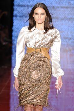 Samuel Cirnansck spfw 2011 - Pesquisa Google Samuel Cirnansck, Sequin Skirt, Cool Outfits, Sequins, Skirts, Clothes, Fashion, Outfits, Moda