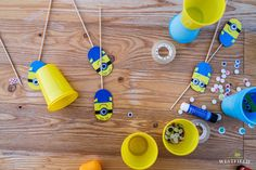 Minions in Westfield Arad. Beautiful Stories, Fun Diy, Kids Fun, Minions, Triangle, Fun Crafts To Do, Minion, Minion Stuff