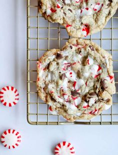 The BEST HOLIDAY HACK for Chocolate Chip Cookies! Adding peppermint extract and crushed peppermint candies adds festive flavor and a crackly sugar topping that's out of this world! Quick Cookies, Basic Cookies, Candy Cane Cookies, Chocolate Chip Cookies, Candy Canes, Cookie Bars, Sugar Cookies, Pepermint Cookies, Peppermint Candy Cane