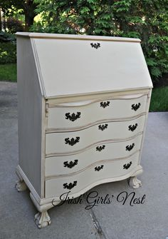 Shabby Paints Alamo White with Vax and Hazelnut reVax - Irish Girls' Nest