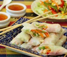 Vietnamese Rice Paper Rolls. Sprouts, carrot, capsicum, lettuce, tomato, mint.