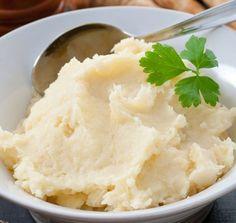 "Healthy Comfort Food Hack: Creamy Cauliflower Mashed ""Potatoes"""