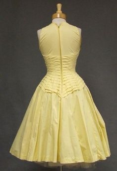 Suzy Perette 1950's Cotton Dress (back)