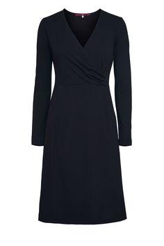 zeitloses Jerseykleid - all black! aus organischer Baumwolle #LANIUS #fairfashion #vegan