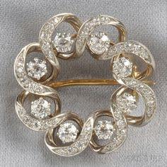 Jewelry Diamond : Edwardian Diamond Circle Brooch, set with old European-cut diamonds, approx. - Buy Me Diamond I Love Jewelry, Modern Jewelry, Fine Jewelry, Jewelry Design, Edwardian Jewelry, Antique Jewelry, Vintage Jewelry, Antique Brooches, Antique Rings