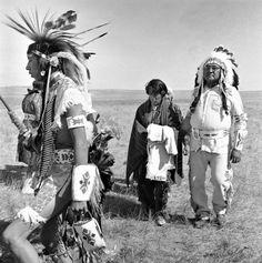 Dustin Hoffman Little Big Man Native Canadian, Native American Men, Hispanic American, Chinese American, Dustin Hoffman, Chinese Man, Mexicans, Nice Picture, Photo Blog