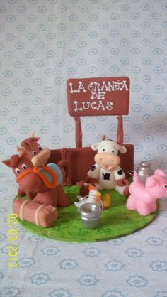 torta animales de la granja - Buscar con Google Animal Birthday Cakes, Farm Animal Birthday, Zoo Birthday, Fondant Dog, Fondant Animals, Barnyard Party, Farm Party, Fun Cupcakes, Cupcake Cakes