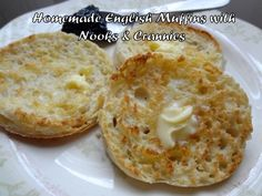 Learn how to make authentic English muffins with a chewy texture and plenty of nooks and crannies. I've also included some English muffin sandwich suggestions, as well as a recipe for homemade blueberry English muffins, Wolferman's style. Blueberry English Muffin, Muffins Blueberry, English Muffin Bread, English Muffin Recipes, English Muffin Recipe Alton Brown, English Muffin Recipe Nooks And Crannies, Authentic English Muffin Recipe, Grill Breakfast, Gastronomia