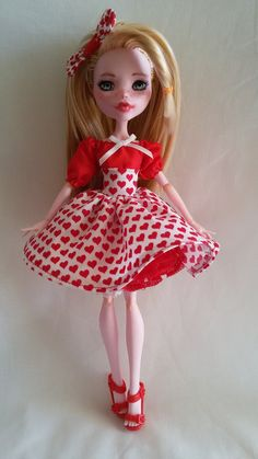 For your lovely Monster High. My Bloody Valentine Skirt & Accessories. Monster High Clothes Heart Skirt, chemise, bloomers, & petticoat. Fabric: