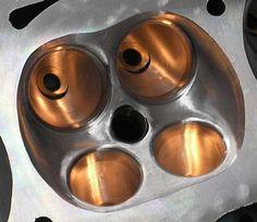 Рассказ владельца Лада 21081 — тюнинг.   Одним из действенных способов поднятия мощности поршневого мотора является доработка головки блока цилиндров. Так что же скрывается за этим понятием — доработкой ГБЦ?  Для начала выясним, каким образом манипуляции с ГБЦ могут повлиять на мощностные характеристики двигателя. Как известно, крутящий…