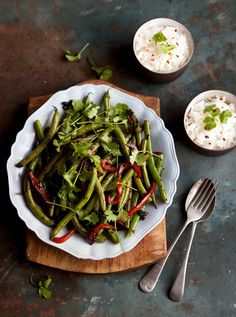 Green & Black Bean Stir Fry with Red Pepper   Drizzle & Dip