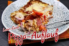 Pizza-Auflauf – Low-Carb Ofen-Schlemmerei - Düşük karbonhidrat yemekleri - Las recetas más prácticas y fáciles Protein Desserts, High Protein Snacks, Healthy Protein, Protein Foods, Pizza Casserole Low Carb, Low Carb Pizza, Low Carb Diet, Pizza Bake, Pizza Recipes