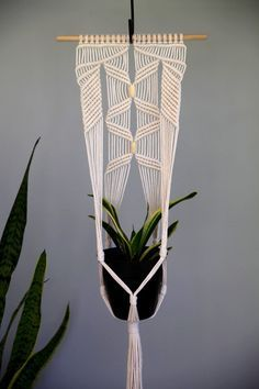 Macrame Plant Hanger 45 Knotted Natural White by BermudaDream