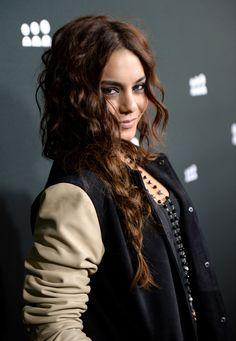 Vanessa Hudgen, curly side braid
