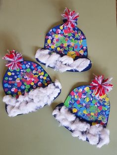 Winter hat craft for kids. Winter hat craft for kids. Daycare Crafts, Classroom Crafts, Kids Crafts, Arts And Crafts, Kindergarten Classroom, Winter Art Projects, Winter Kids, Christmas Crafts For Kids, Winter Crafts For Toddlers