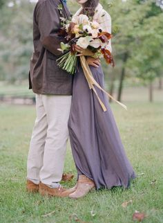 How to Style Your Engagement Shoot | Wedding Sparrow