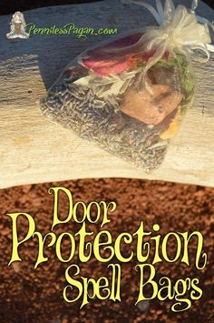 Pagan and Wiccan Rituals. Living in simplicity. Jar Spells, Magick Spells, Love Spells, Pagan Witchcraft, Door Protection, Protection Spells, Spell For Protection, Wiccan Rituals, Wiccan Crafts