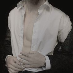 His pale skin The Frankenstein, The Grisha Trilogy, Daddy Aesthetic, Hazel Eyes, Drarry, Pale Skin, Sherlock, Wedding Designs, Long Hair Styles
