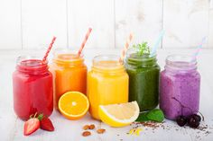 Veggie smoothies are the best way to start a day packed with nutrients. Deliciously healthy drinks add vegetables in smoothies for easy meals and snacks. Smoothie Packs, Smoothie Vert, Grapefruit Smoothie, Fruit Smoothies, Yummy Smoothies, Breakfast Smoothies, Detox Smoothies, Smoothie Drinks, Fitness Smoothies