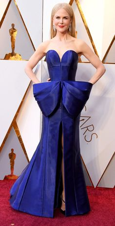 Nicole Kidman in Armani Privé - Oscars 2018 Best Oscar Dresses, Oscar Gowns, All Black Dresses, Blue Dresses, Elie Saab Gowns, Oscars Red Carpet Dresses, Haute Couture Gowns, Nicole Kidman, Red Carpet Looks