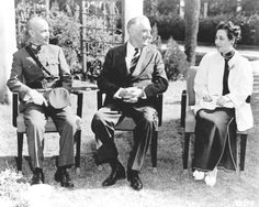 General Chiang Kai-shek, President Franklin Delano Roosevelt and Soong Mei-ling or Madame Chiang Kai-shek pose together for a photograph at a conference in Cairo, 1943.❤❁❤❃❤❁❤❁❤❁❤❁❤✾ http://www.fdrlibrary.marist.edu/aboutfdr/biographiesandmore.html   http://en.wikipedia.org/wiki/Chiang_Kai-shek  http://en.wikipedia.org/wiki/Soong_May-ling
