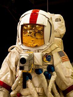 astronaut suit apollo 1970s