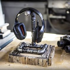 Single Headset / Headphone Hanger Stand ... Gaming Steampunk Industrial
