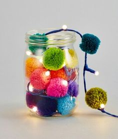 Pom pom galore lights in mason jar easy DIY pompom lights for any event to add some pom pom magic! Kids Crafts, Yarn Crafts, Diy And Crafts, Craft Projects, Arts And Crafts, Christmas Crafts, Christmas Decorations, Pom Pom Decorations, Crochet Christmas