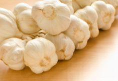 Cesnaková omáčka Dips, Garlic, Vegetables, Food, Sauces, Essen, Dip, Vegetable Recipes, Meals