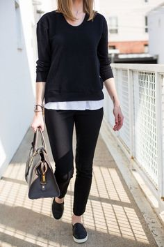 Have a look at looks & clothes to view what to choose by using Slip-on Sneakers. slip on sneakers outfit summer casual Sneaker Outfits, Legging Outfits, Sneakers Fashion Outfits, Mode Outfits, Office Outfits, Trendy Outfits, Casual Office, Business Casual, Black Slip On Sneakers Outfit