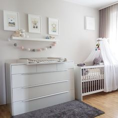 17 mothers tell how she deals with her baby room- 17 Mütter erzählen, wie sie mit ihrem Babyzimmer umgeht 17 mothers talk about how they manage their baby room … - Baby Room Boy, Baby Bedroom, Baby Room Decor, Nursery Room, Girl Nursery, Living Room Decor, Baby Ideas For Nursery, Bedroom Girls, Baby Room Design