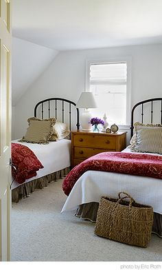 Cottage Guest Room.  Colors: black, red, khaki, cream & white.WAUW!