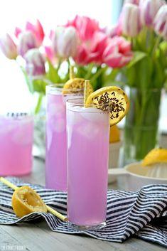 A lovely spring mocktail perfect for a brunch, spring get together, or baby shower: Lavender Lemonade | The Cookie Rookie