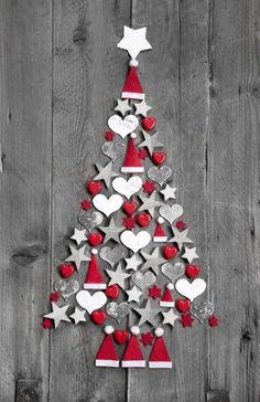 Galerie de photos de LaPresse.ca. Diférents modèles d'arbres de Noël miniatures
