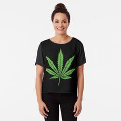 Top mousseline 'Feuille Cannabis - T-shrit' par WeedSplifs T Shirts For Women, Tour, Mens Tops, Relax, Chiffon, Boutique, Shopping, People, Products