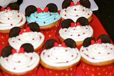 Minnie cupcakes BGB Triplets 2nd Birthday - Mickey, Minnie, & Donald Cousin Birthday, 2nd Birthday, Birthday Ideas, Minnie Cupcakes, Triplets, Smile, Party, Desserts, Food