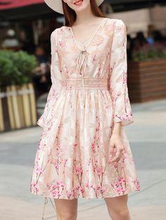 Shop Tie Neck Open Shoulder Floral Dress online. SheIn offers Tie Neck Open Shoulder Floral Dress & more to fit your fashionable needs.