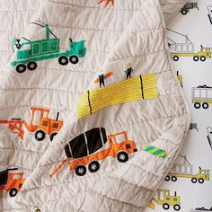 All bedding is 15% off and qualifies for $6.95 flat rate shipping! Link in bio to shop.