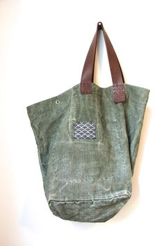 Headlands Trail Tote Bag Repurposed Vintage par rizomdesigns