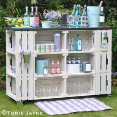 Such a wet windy miserable day today, looking forward to warmer brighter days when I can use my homemade outdoor bar #prettypastels #outdoorbar tutorial on my blog