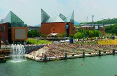 The Chattanooga Aquarium - on the Tennessee River