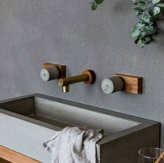 girlinthepark: Concrete brass and wood - fabulous Houz | Dana Tomic Hughes.