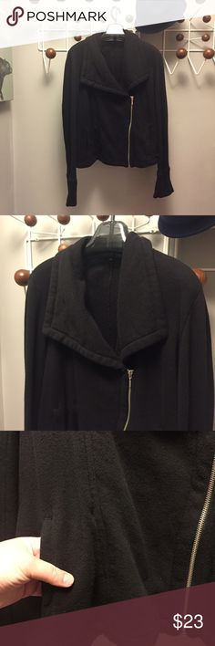 GAP lightweight moto zip jacket🏴 GAP lightweight (like sweatshirt-weight) moto zip jacket with oversized collar. Nice for an extra layer. All black with silver tone zipper. 2 pockets in front. In overall very good condition. Size XL. Bundles are only 2 items! Bundle and make a nice deal for yourself! 🏴🏴🏴 GAP Jackets & Coats