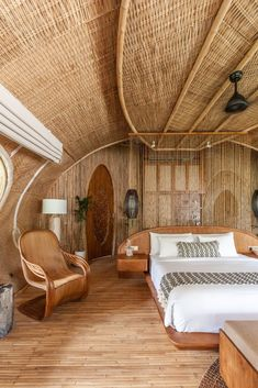 Bamboo architecture is all the rage in the world of tropical sustainable luxury, and the latest word in this trend is the Ulaman Eco Retreat in Bali. This wellness retreat is an incredibly inventive creation that blends ancient building techniques and modern technology to offer an experience of a futuristic village integrated into a tropical forest. #ubudbalihotel #ubudbalihotelboutiques #besthotelsinubudbali #balihoteldesign #balihotelarchitecture #balihotelinterior #balihotelinteriordesign Bamboo Architecture, Architecture Design, Bamboo House Design, Bamboo House Bali, Small Table And Chairs, Small Boutique Hotels, Hut House, Small Bungalow, Bamboo Structure
