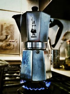 Love my Bialetti → stovetop espresso thing every morning for the last 12 years → one of the high lights of my day, and sometimes the only one . Great Coffee, My Coffee, Coffee Cafe, Coffee Shop, Best Espresso, Espresso Maker, Bialetti Espresso, Cafe Cubano, Coffee Dripper