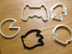 it would be so fun to have these video game cookie cutters at work!  Maybe if I ask nice?