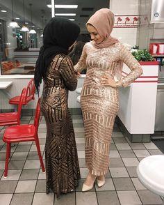 hijabi fashion, formal fashion, long sleeve formal outfit, maxi dress, sequins maxi dress, hani hulu