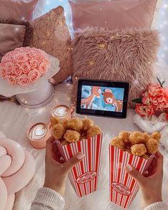 What is your favourite Disney film? Sleepover Room, Sleepover Birthday Parties, Fun Sleepover Ideas, Birthday Party For Teens, Pyjama Disney, Movie Night Gift Basket, Movie Night Snacks, Cute Date Ideas, Movie Party