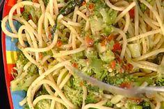 Ricetta Bucatini con pomodori secchi e broccoli